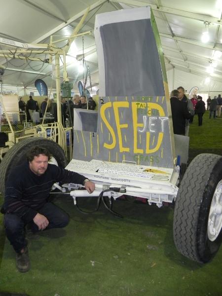 sv11-web-versmann-evan-seed-jet-811